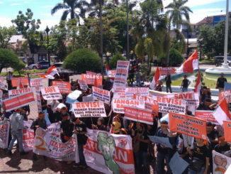 Demo KNCI di DPRD Sumbar.