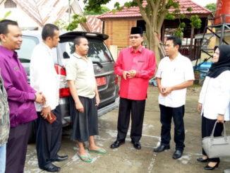 Foto bersama dengan Bupati Irfendi Arbi setelah melepas DUL menuju Bengkulu