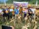 Gubernur dengan sejumlah Kepala OPD dan Wabup Ferizal Ridwan sedang panen perdana jagung.