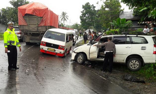 Kecelakaan lalulintas di Cupak.