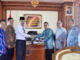 Penyerahan naskah kesepahaman antara BPCD dan IAIN Batusangkar.
