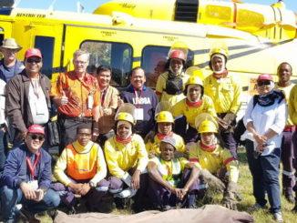Petugas penanggulangan Karhutla Indonesia dan Afrika Selatan.