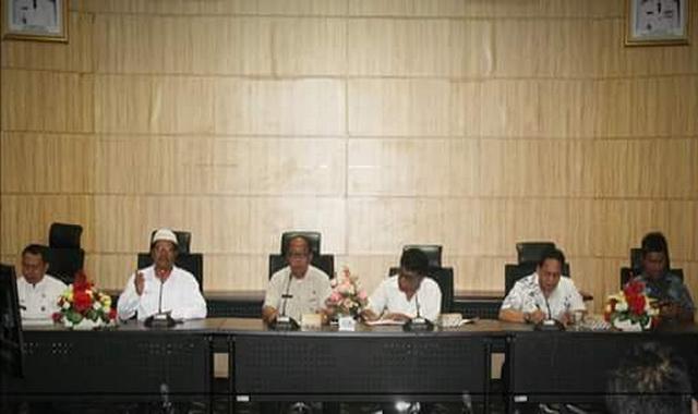 Rapat KPU Kota Padang.