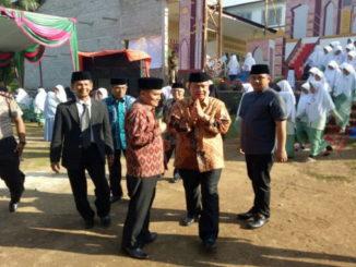 Wagub Nasrul Abit saat menghadiri Milad ke t Pesantren Moderen Putri Ulul Albab Koto Baru, Dharmasraya.