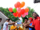 Wakil Bupati Zuldafri Darma melepas balon sebagai tanda pembukaan O2SN tahun 2018 di dampimgi oleh Kadinas Dikbud Abra dan undangan lainnya.