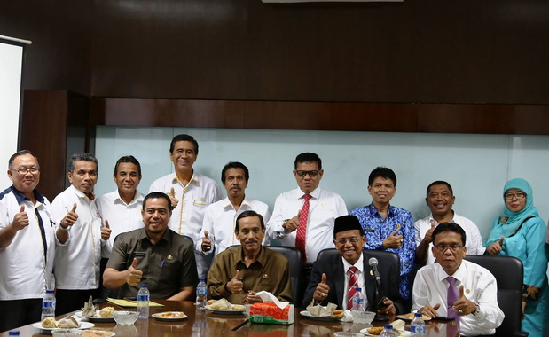 Yuswir Arifin bersama pimpinan UNP.