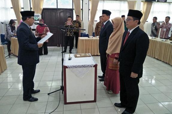 Dr. H. Jefrinal Arifin, SH., M.Si melantik Widyaiswara Madya d lingkungan BPSDM Provinsi Sumatera Barat.
