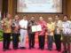 Gubernur Irwan Prayitno dan Rektor UI bersama Prof Ganefri dan para Wakil Rektor UNP.