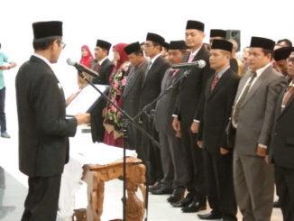 Gubernur Sumatera Barat Irwan Prayitno melantik pejabat eselon III dan eselon IV serta kepala sekolah SMAN-SMKN Se-Sumatera Barat.