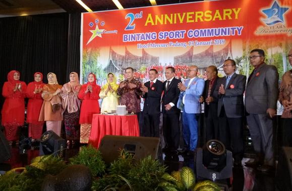 Wagub Nasrul Abit pada HUT Bintang Sport Community kedua.