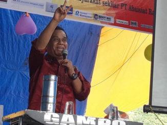 """Almarhum Nedi Gampo pada salah satu penampilan sebagai """"tukang Oyak Tekong""""."""