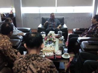 Kunjungan Komnas HAM ke kantor gubernur Sumbar.