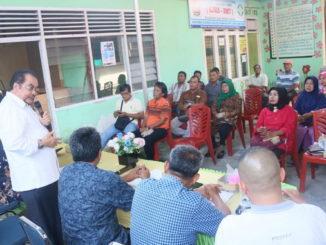 Leonardy Harmainy saat temu ramah dengan masyarakat Ulak Karang, Padang.