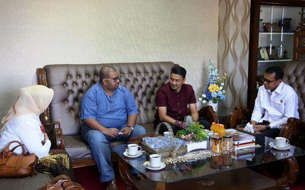 Pertemuan pembahasan kerjasama UNP dengan UiTM Malaysia.