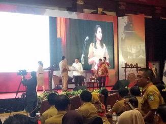 Rakornas Humas dan Hukum yang dilaksanakan di Hotel Bidakara, Jakarta.