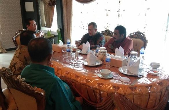 Wakil Gubernur Sumatera Barat Nasrul Abit diundang Bupati Batanghari Syahirsyah acara coffee morning dan silaturahmi dikediaman Bupati Batanghari,.