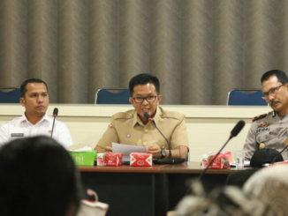 Wakil Walikota Payakumbuh Erwin Yunaz saat rakor Tim Koordinasi TKPK Payakumbuh bersama Polres Payakumbuh, di kantor Bappeda Payakumbuh