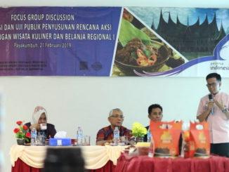 Wawako Payakumbuh tengah mempresentasikan tentang Randang di hadapan Asisten Deputi Pengembangan Destinasi Regional I Kementrian Pariwisata RI.