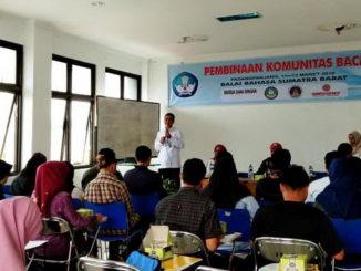 Balai Bahasa Provinsi Sumatra Barat melakukan pembinaan Komunitas Baca di Padanganjang.