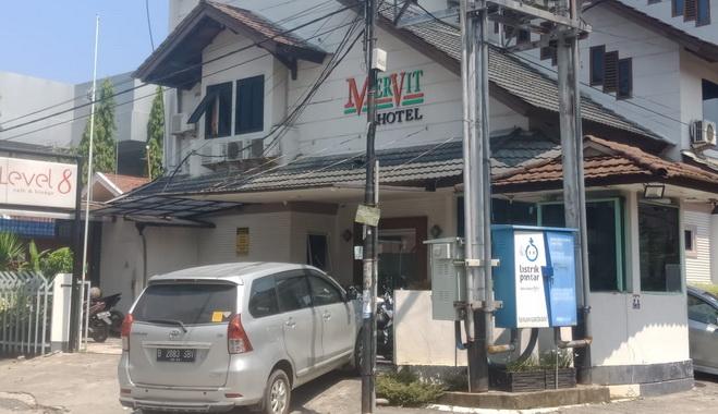 Hotel Marvit di Jl. Purus II Padang.