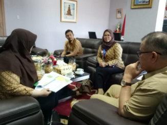 Nasrul Abit saat audiensi Kepala Badan Penyelenggaraan Jaminan Sosial (BPJS) Cabang Padang.