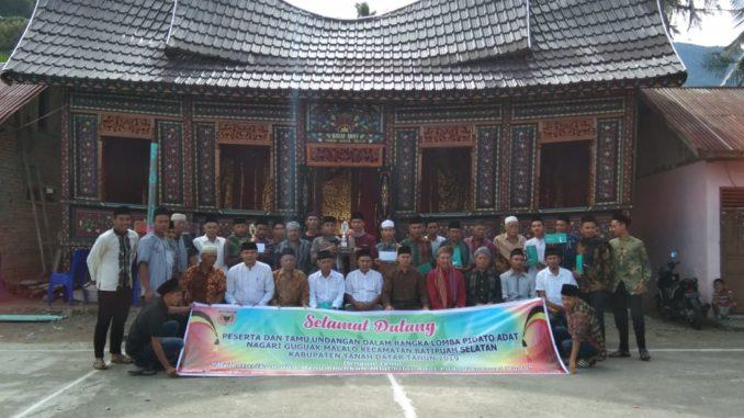Panitia dan peserta Lomba Pidato Adaik di Nagari Malalo.
