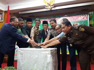 Pencanangan Pembangunan Zona Integritas Aula Kantor Pengadilan Tinggi Padang.