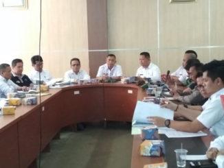 Rapat pembahasan masalah tambang galian C di Kab. Solok.