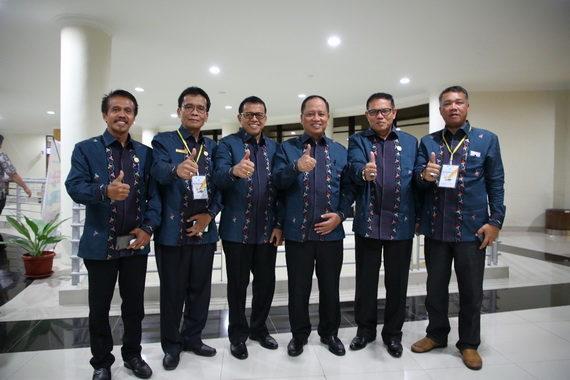 Rektor Ganefri bersama WR1, 2, 3 dan 4 bersama Mendikbud.