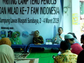 Temu penulis FAM Indonesia di Surabaya.