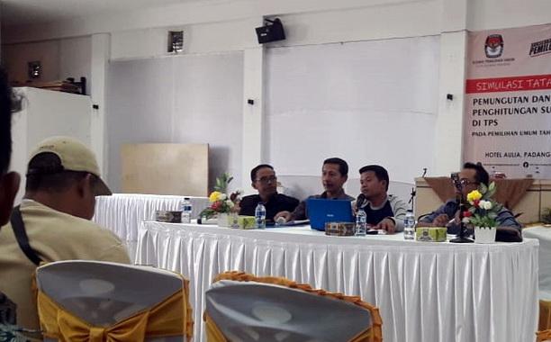 Jumpa pers KPU Padang Panjang.