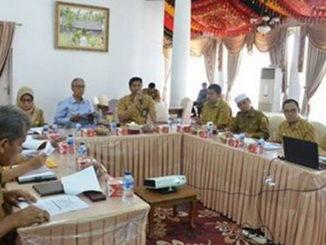Kepala BPJS Kesehatan Cabang Payakumbuh Ryan Abdulah Putra sedang memaparkan program UHC.