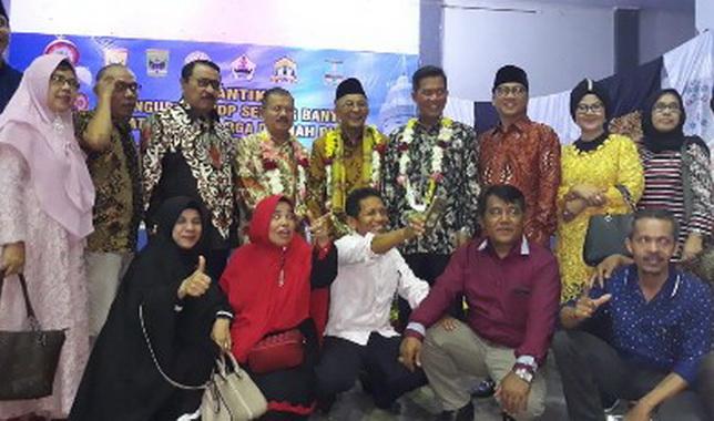 Ketua Umum PKDP Refrizal dan Ali Mukhni bersama pengrus PKDP Serang.