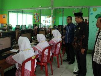 Peninjauan UN di SMPN 3 Gung Talang.