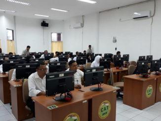Peserta ujian untuk naik golongan di Payakumbuh.