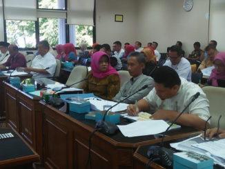 Rapat Kerja Komisi V DPRD Sumbar dengan mitra kerja.