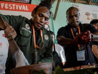 Teater Kuliner 4 -Return of the Jungle Chef, Charles Toto-min