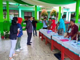 Wagub Nasrul Abit saat meninjau PSU di Padang.