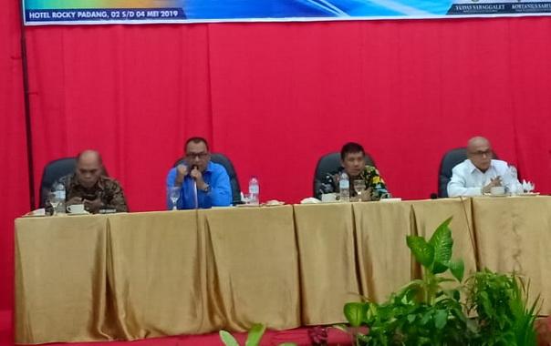 Bupati Yudas Sabbagalet pembukaan Pelatihan Aparatur Pemerintah desa di Tua Pejat, Mentawai.