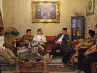 Rapat persiapan pembukaan MTQ Nasional di kediaman Elly Kasim, Jakarta.