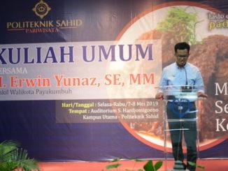 Wawako Payakumbuh Erwin Yunaz saat memberi kuliah umum di STP Sahid, Jakarta.
