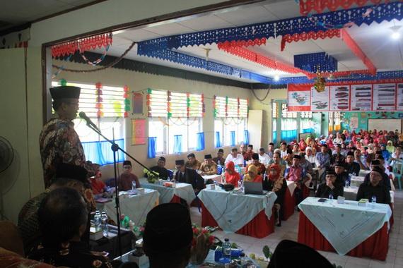 Bupati Gusmal pada pembukaan Mubes Sumani 2019.