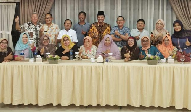 Bupati Ifrendi Arbi bersama alumni Bravo 83.