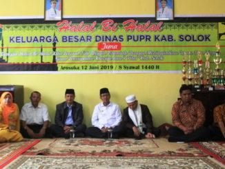Kadis PUPR Kab. Solok Efia Vivi Fortuna bersama Bupati dan Wakil Bupati Solok.