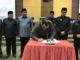 Ketua DPRD Sumbar Ir Hendra Irwan Rahim fmenandatangani nota kesepakatan