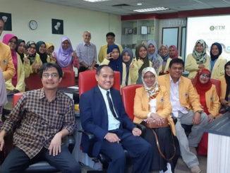 Mahasiswa Program Pasca Sarjana (S2) UNP yang dipimpin Dr Budhi Oktavia saat melaksanakan Field Study ke UTM dan UPSI.
