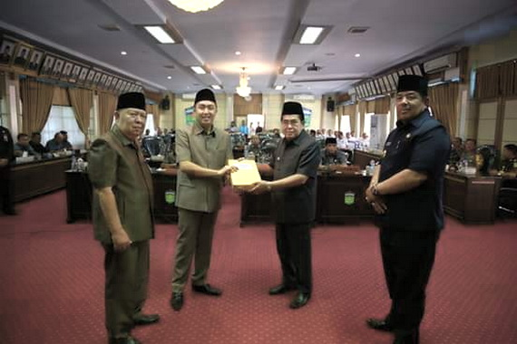 Penyerahan LKPJ Kota Sungai Penuh Tahun 2018.
