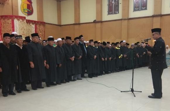 Wakil Gubernur Sumatera Barat H. Nasrul Abit pada acara pelantikan Dewan Hakim penilaian untuk MTQ Nasional ke-XXXVIII.