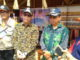 Bupati Mentawai Yudas Sabbaglet saat diwawancarai wartwan.