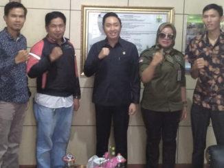 Fikar Azami bersama pimpinan DPD IWO Kab. Kerinci - Sungai Penuh.
